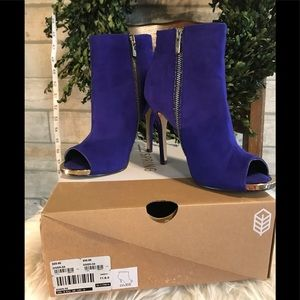 CALL IT SPRING Gold Peep Toe Stiletto Booties Blue